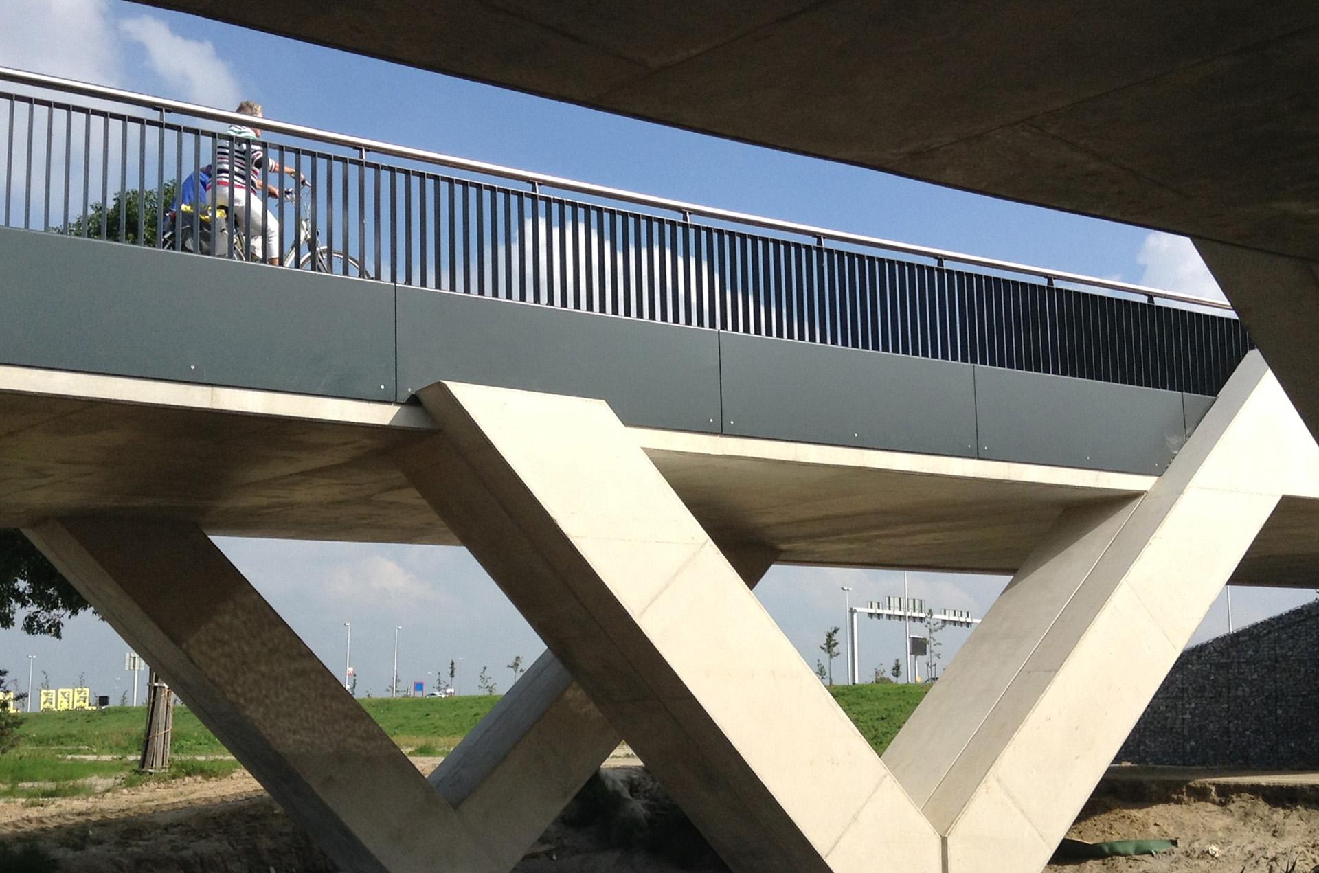 fietsbrug Rijnvliet