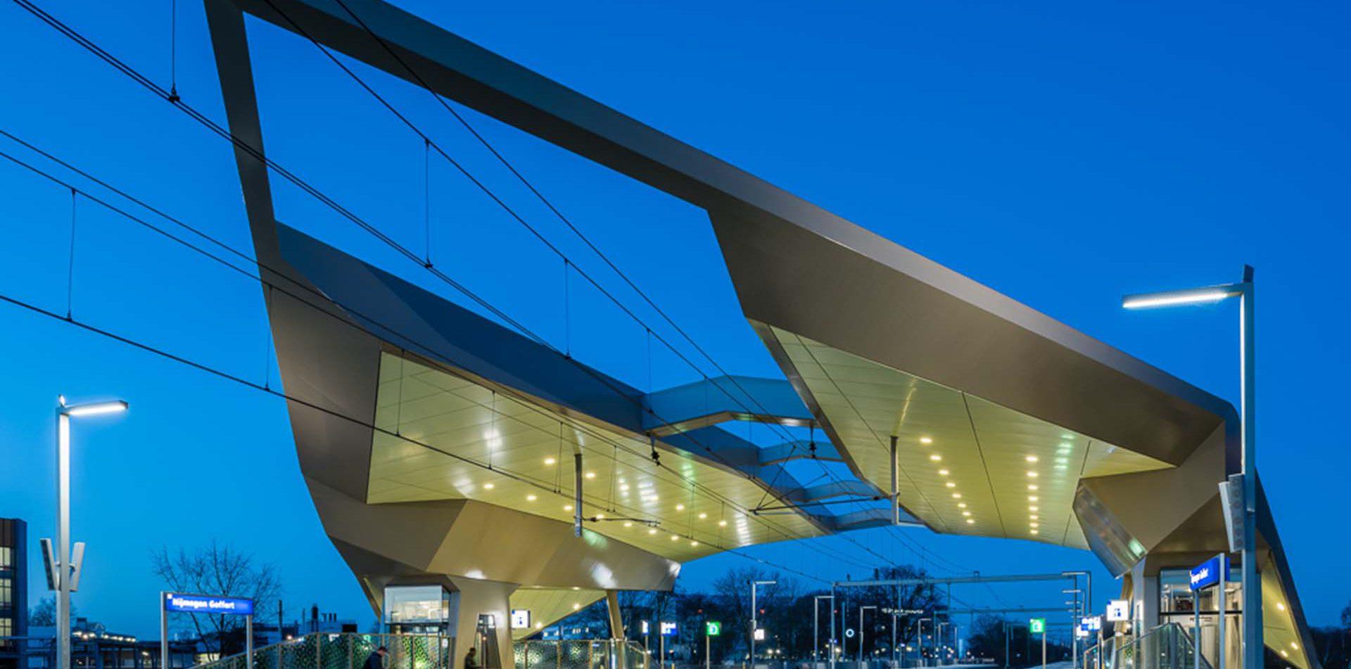 station-nijmegen-goffert-ontworpen-door-architect-paul-en-peter-studiosk-movares-11111-geen-952